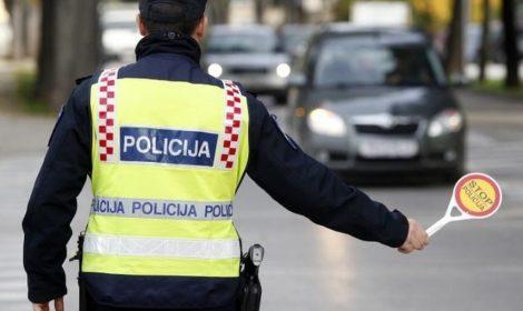 Doznajte kada će vam policija moći oduzeti auto i koliko ćete platiti ako telefonirate u vožnji